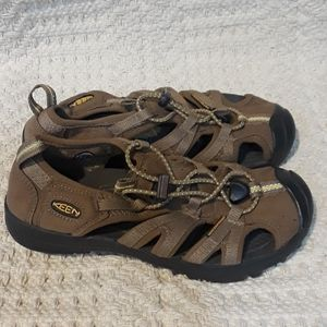Kid's Keen Sandals Size 3